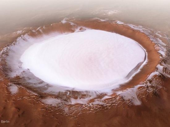 «Снежная сказка» на Марсе: опубликован завораживающий снимок кратера Королёва