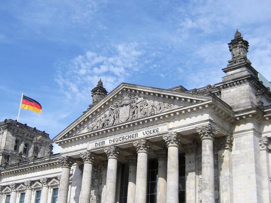 вывезшая из СССР много ценностей Германия потребовала от России вернуть вывезенные после войны культурные ценности