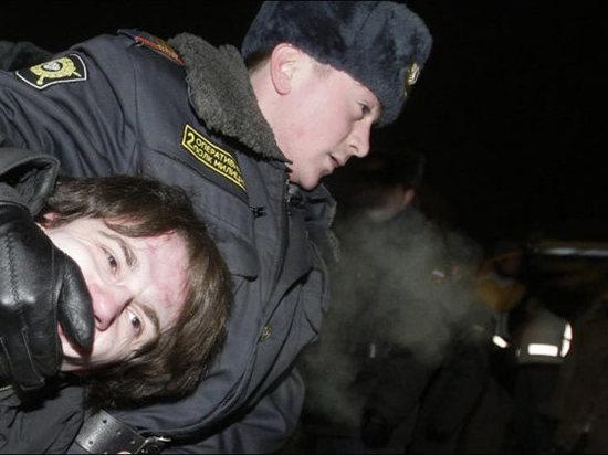 Битва с полицейскими может закончиться тюрьмой