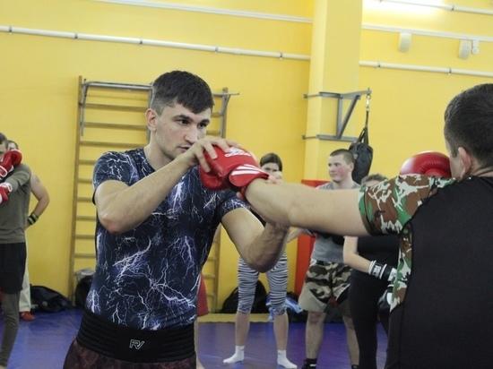 Профессиональный боксер Артур Осипов поделился с тамбовчанами секретами боя