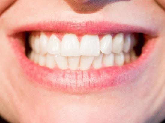 Из-за чего начинают шататься зубы