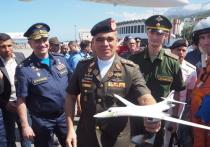 Командующий рассказал, почему летчикам дальней авиации близок девиз «Трех мушкетеров»