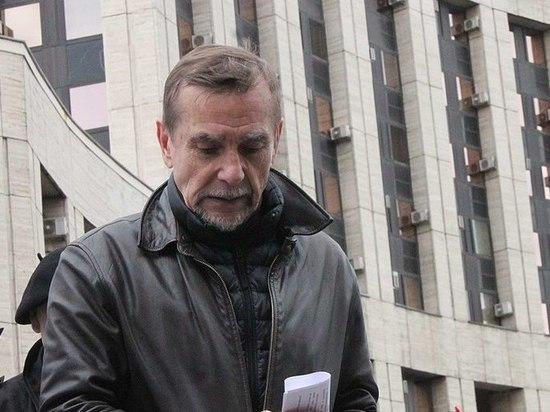 Правозащитник Пономарев вышел на свободу после 16-дневного ареста