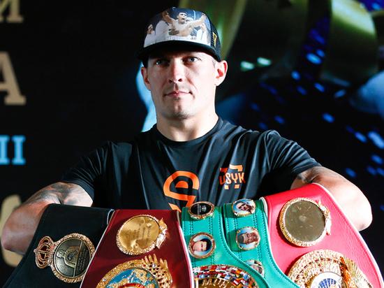 Украинец Усик признан лучшим боксером года по версии ESPN