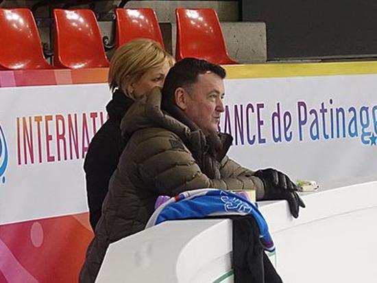 Евгения упала во время короткой программы на чемпионате России