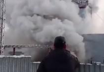 Пока распространение огня очень сильное и справиться огнеборцам с возгоранием и добраться до шахтёров не удаётся