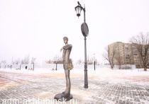 В Астраханской области появился памятник первому свиданию