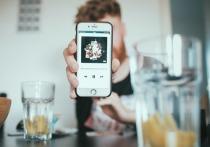 Студенты, регулярно злоупотребляющие алкоголем, в большей степени подвержены «зависимости» от соцсетей, выяснили специалисты из Университета штата Техас в Сан-Маркосе