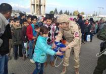 Юнармейцы приняли участие в акции по сбору новогодних подарков сирийским детям
