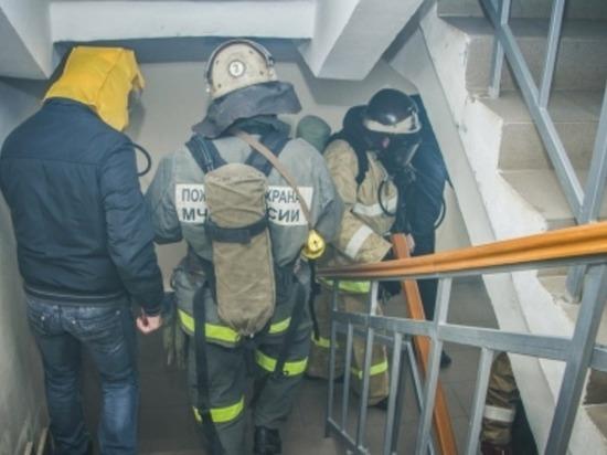 В Рославле Смоленские пожарные спасли 10 человек