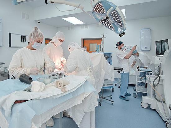 Кировские травматологи освоили новый метод операции при артрозе