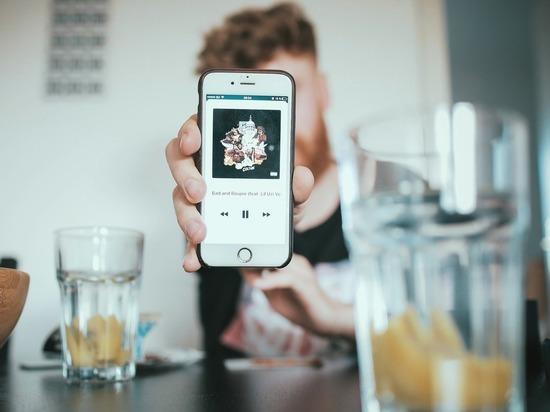 Между алкоголизмом и «зависимостью» от соцсетей нашли неожиданную взаимосвязь