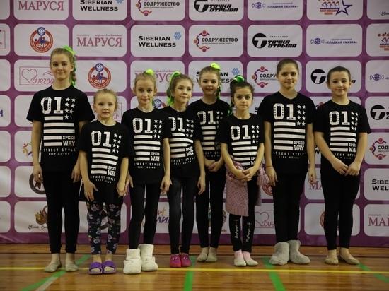 Смоленские чирлидерши привезли из двух городов 10 комплектов наград