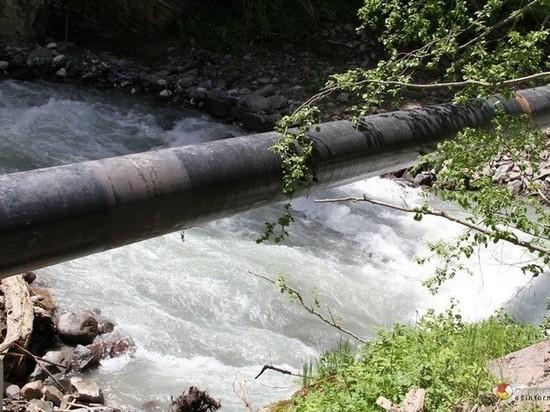 В Сочи из-за аварии на водоводе без питьевой воды остались 2 поселка