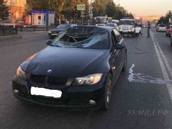 Омич на BMW, сбивший насмерть пешехода у мэрии, не признает вины