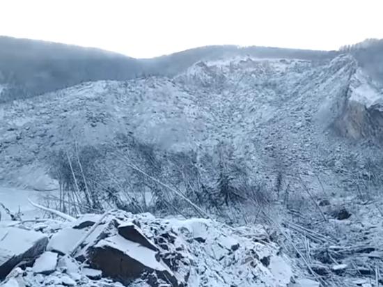 В МЧС объяснили обрушение сопки в Хабаровском крае: не метеорит