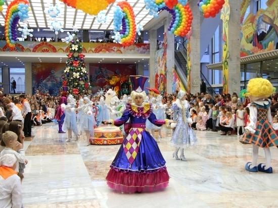 На Кремлевскую елку поехали 53 школьника Ульяновской области
