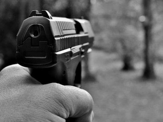 В центре Казани двое мужчин получили огнестрельные ранения