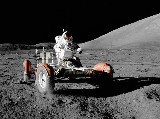 Астронавты, летавшие к Луне, сочли «нелепицей» планы Илона Маска