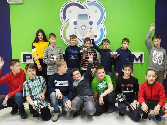 В детском технопарке «Кванториум» Нефтеюганска прошли соревнования поробототехнике