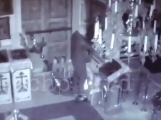 Камера  запечатлела ограбление храма в Темрюкском районе