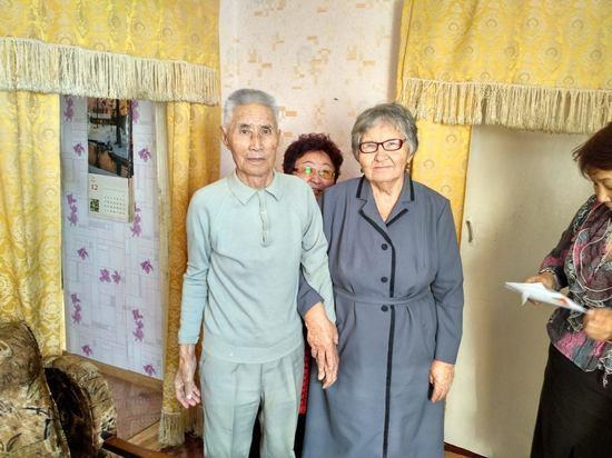 Старейшему жителю калмыцкого райцентра Цаган Аман исполнилось 95