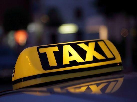 В Саранске таксист обворовал спящего клиента