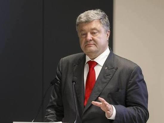 Отменой военного положения на Украине Порошенко дал старт президентской гонке