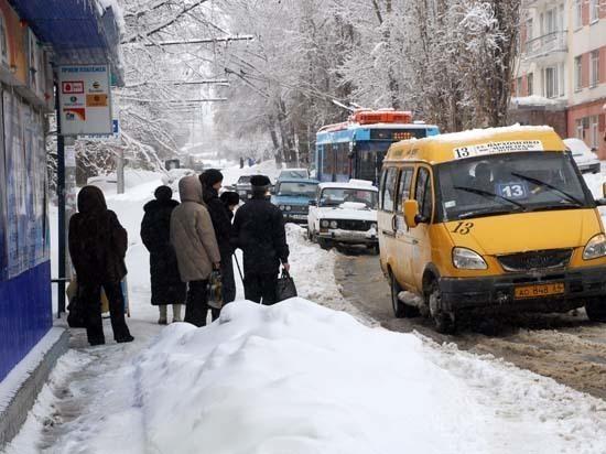 В Саратове предлагают парковаться на Театральной площади