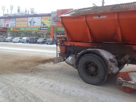Дороги Ульяновска чистят от снега 75 машин