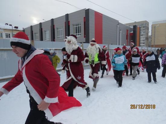 Более 600 тамбовских школьников приняли участие в забеге Дедов Морозов