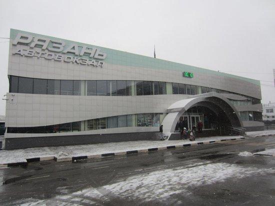 В Рязани ночью эвакуировали Центральный автовокзал