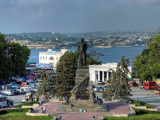 В Севастополе долгожителей простимулируют деньгами