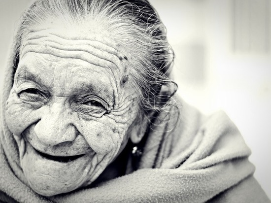 Пенсионерам на заметку: кому положена надбавка