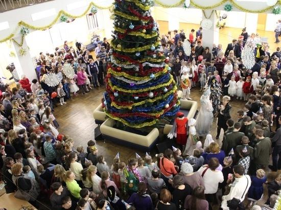 Нижегородская елка показала свои чудеса детям из Мордовии