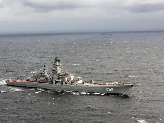 Ракетный крейсер «Пётр Великий» охотился на подлодкой в Баренцевом море