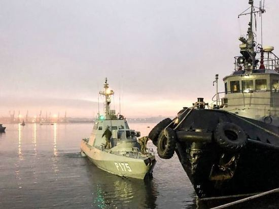 Все задержанные в Керченском проливе моряки считают себя военнопленными