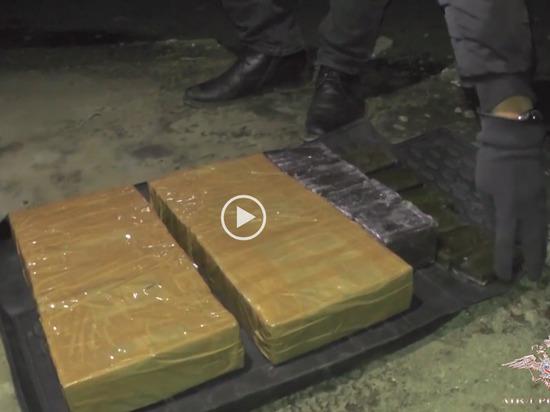 В Чувашии задержали автомобиль с 18 кг гашиша