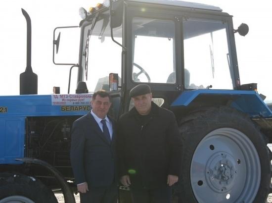 Трактор в подарок от Темрезова получил 76-летний герой соцтруда