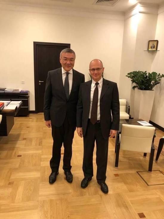 Москва поддерживает Орлова фотографиями в социальных сетях