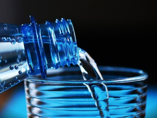 Американские учёные назвали воду в числе напитков, опасных для почек