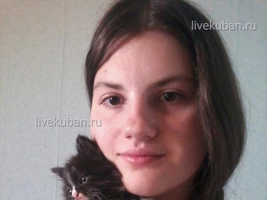 Ищут сбежавшую из дома 14-летнюю школьницу в Краснодаре