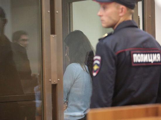 Убившие отца сестры Хачатурян обратились к следователю с новогодней просьбой