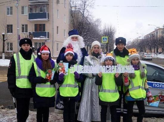 В Серпухове сказочные персонажи напомнили водителям о безопасности на дороге