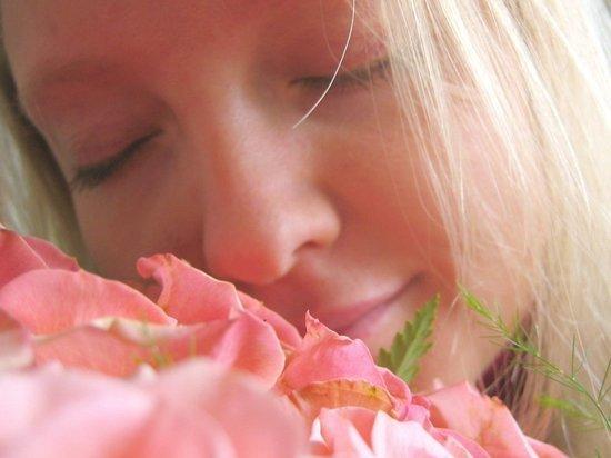 Почему люди по-разному чувствуют запахи и видят другие цвета