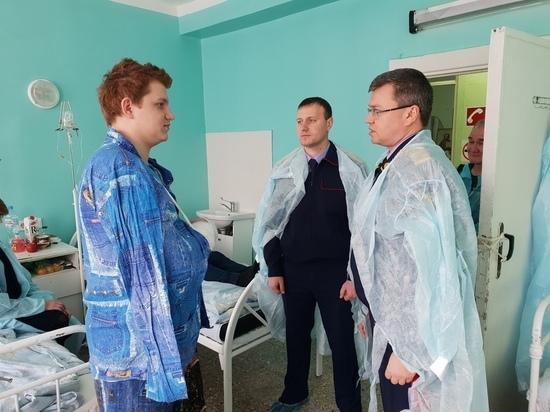 Выжившего в массовом убийстве 17-летнего парня навестил глава ульяновского СКР