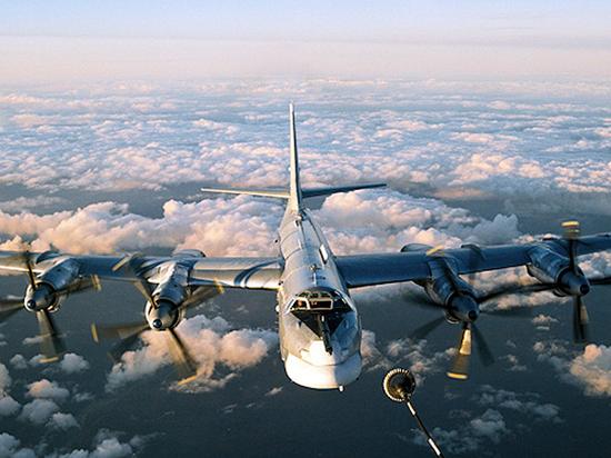 Командующий Дальней авиацией назвал срок службы «Медведей» и «Белых лебедей»