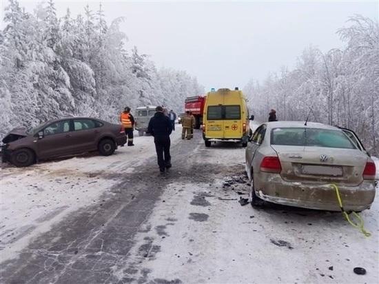 В лобовом ДТП в Карелии погибло двое маленьких детей и женщина