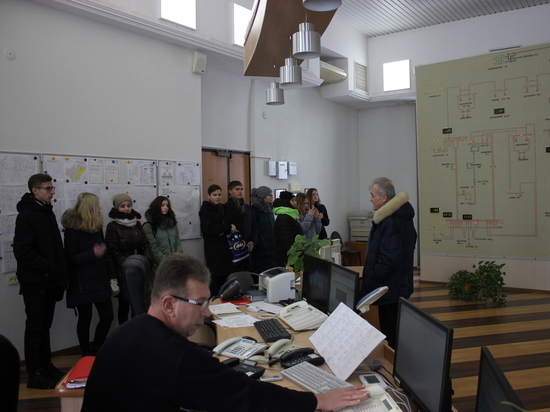 Специалисты Калугаэнерго провели День открытых дверей для школьников