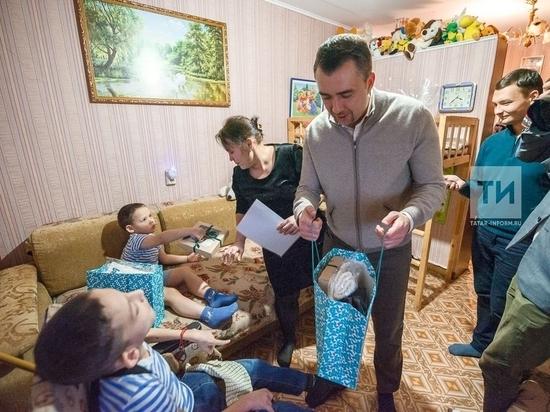 Рустам Минниханов исполнил мечты мальчика и студентки